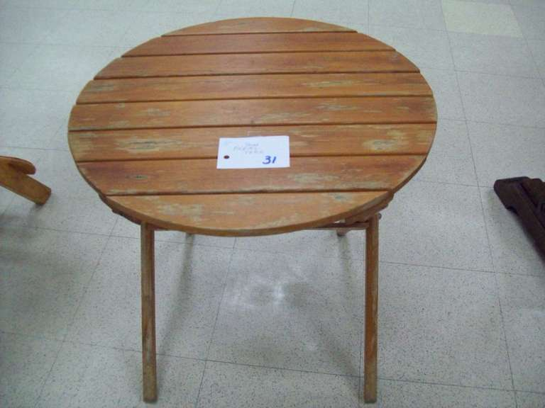 "22"" Round Folding Table"