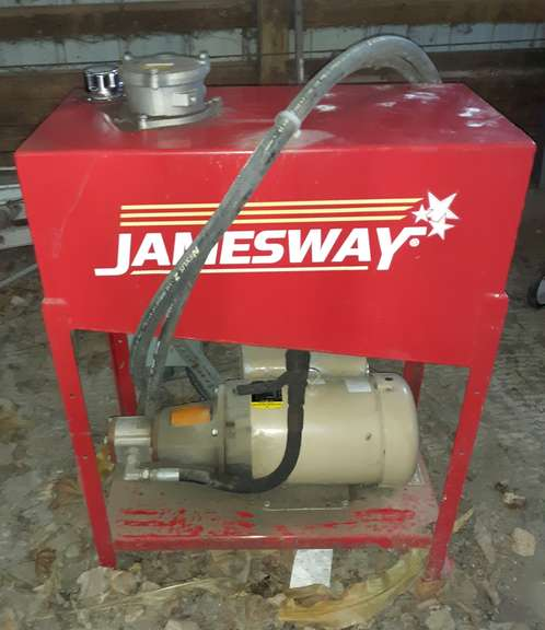 Jamesway Hydraulic Pump, 7 1/2 hp Electric Motor, Single-Phase, Lightly Used, Housed, Has been Sitting for Five Years, Spec No. 37F370W659G1