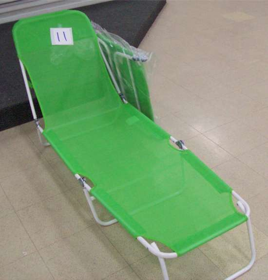"(2) 20"" green Lounge Chairs"