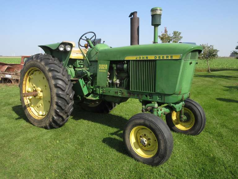 John Deere '3020' D. Tractor, Wide Front, 3-Pt., (2) Hydraulic Outlets, Syncro-Range Transmission, 15.5-38 Tires, Good Straight Metal, Good Running Tractor, Serial # T113R116352R