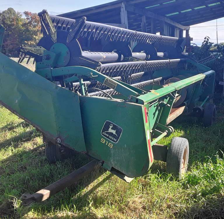 John Deere 918 Flex Head, Shop Built Header Cart Included