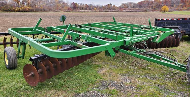 "John Deere 230 Disk, 9"" Spacing, 24'6"" Wide, Rear Hitch with Hydraulics, Scrapers and Bearing Guards"