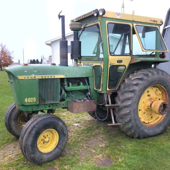 1968 John Deere 4020 Tractor, (11,300 Hours), Very Strong Running Tractor, Engine was Completely Gone Through, Has Cab and Duals