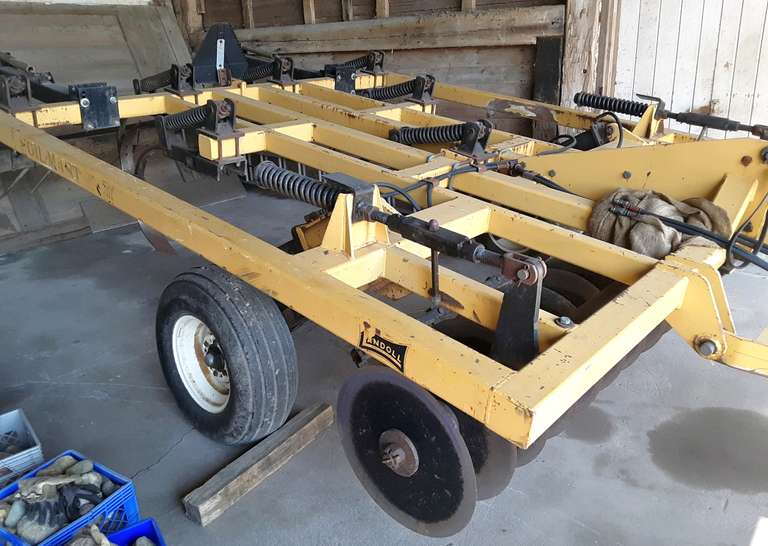 "Landoll Soil Saver Chisel Plow, 7-Legs, New 20"" Discs, New Teeth and New Bearings, Always Housed"
