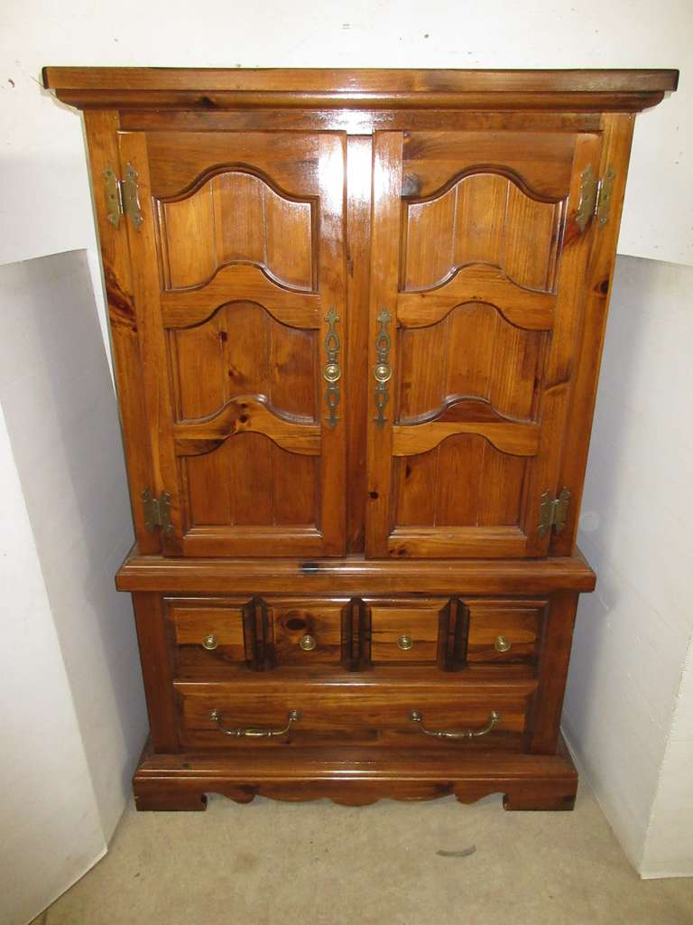 Heavy Pine Bachelors Chest with Two Doors and Two Drawers, Matches Lot Nos. 8, 12, and 13
