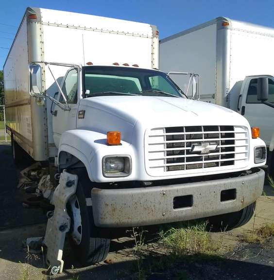 1998 Chevy C6500 Box Truck, Big Block Chevy, Manual Transmission, 24' Dry Box, Ran When Parked Three Years Ago, Needs a Battery, Unknown Running Condition, Possibly Needs to be Towed, Selling As Is, Clean and Clear Title