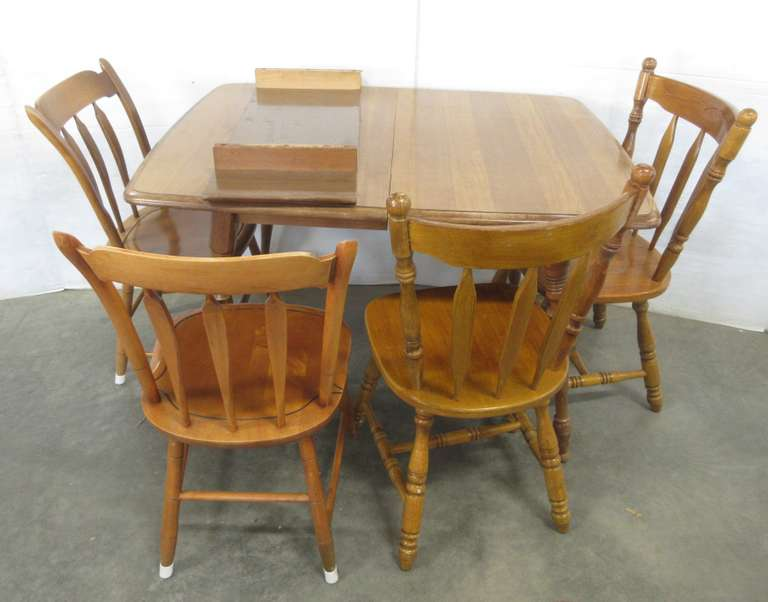 Maple Table with (2) Chairs, (2) Oak Chairs, and an Extension Leaf