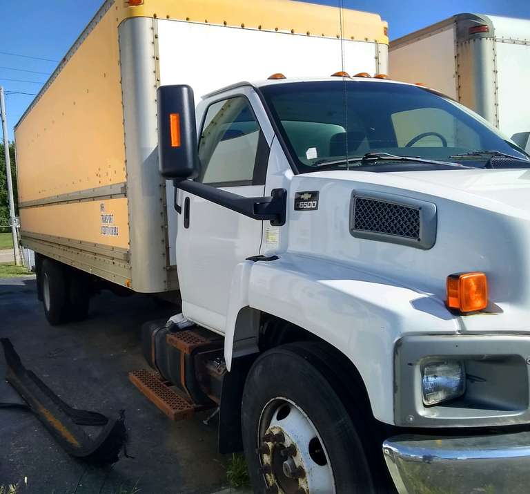 2003 Chevy C6500 Box Truck, (599,985 Miles), Cat Diesel, Allison Auto, 24' Dry Box, Roll-Up Door, Ran When Parked Three Years Ago, Bad Transmission, Unknown Running Condition, Needs to be Towed, Selling As Is, Clean and Clear Title