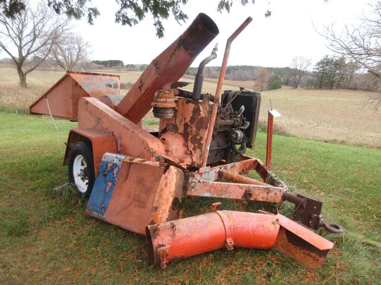 Large Old CMC Chipmore Chipper with 6 Cylinder Ford Engine, Been Sitting for Years, As-Is