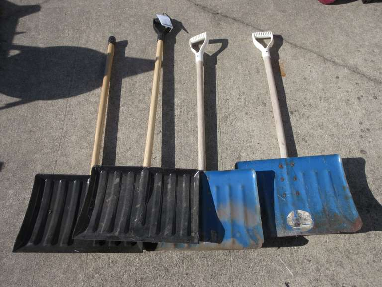 (4)-Flat Snow Shovels with Wood Handles