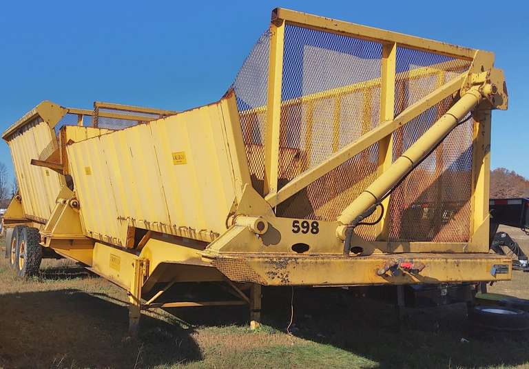 Nabors AG Dump Trailer with Camceo Dump System, Approx. 45' Long, Good Rubber and Brakes