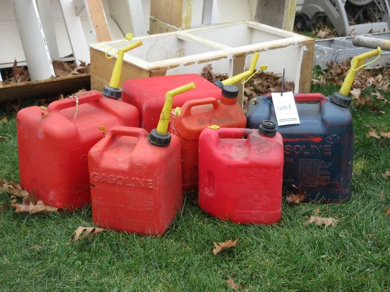 (6)-Plastic Fuel Cans