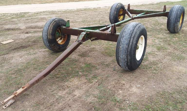 John Deere Wagon Gear, Pulls Straight, 12.5L-15 Tires