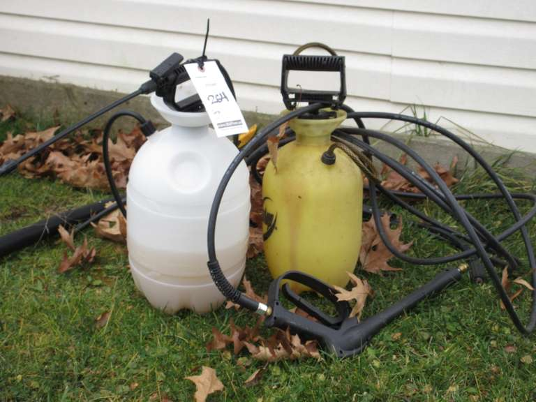(2)-Pump Sprayers