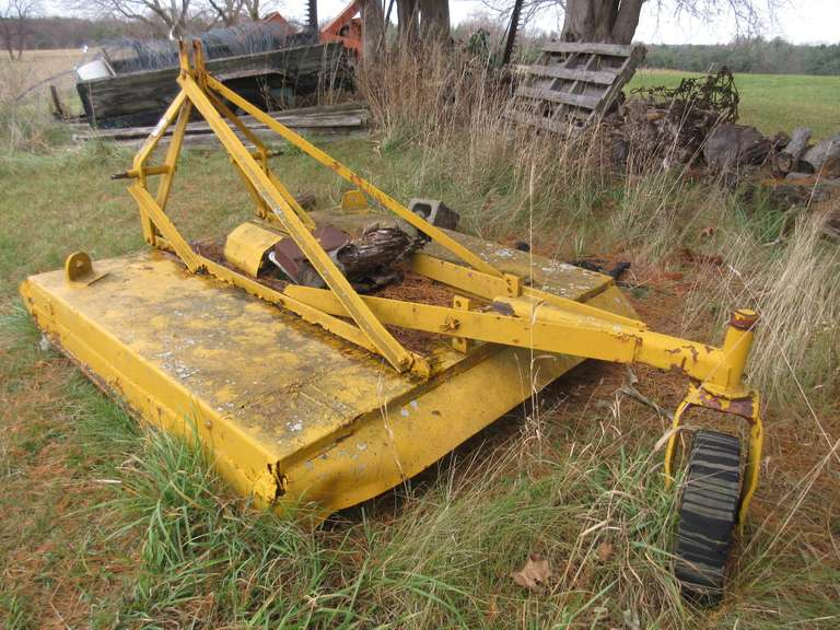 Ford 22-60 3-Point 5' Brush Hog.  The PTO Housing is In Garage, Cover For Housing May Be Missing.  Shaft May Also Be Missing