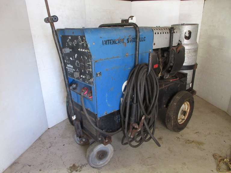 Miller Trailblazer 250G Gaspowered Arc Welding Generator with Onan Engine, Thought to be Operational