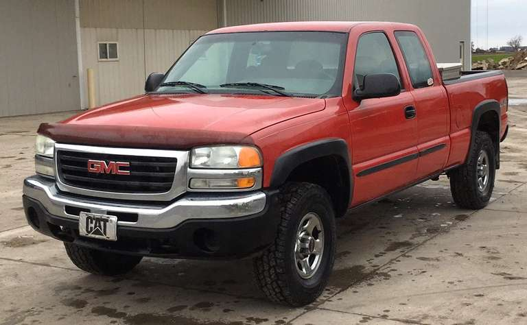 2004 GMC 4WD Sierra, (170,000 Miles on Engine - Engine Heads are New; 341,656 Chassis Miles), 4.8L V8, Suspension Max Torsion Key Lift Kit, A/C Works, New Radiator, New Water Pump, Has Rebuilt Differential (Rear), New Ball Joints and Steering Components, New Brakes, Rear Brake Lines were Replaced, New 285/75R16 Tires, Engine Replaced and in Great Condition, Truck was Well Maintained with Regular Maintenance Intervals, Ready to Run, Comes with Tool Box, Clean and Clear Title
