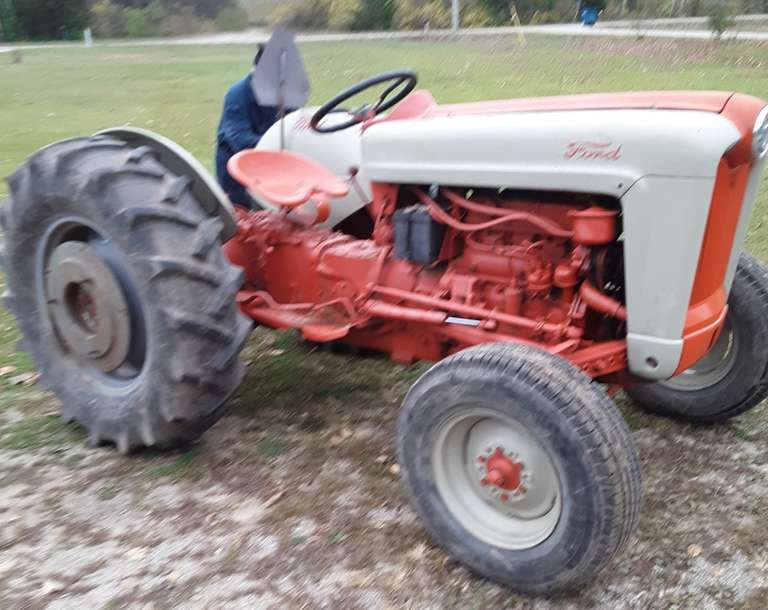 Ford 800 Tractor, Power Steering, Rear Wheel Weights, Power Take Off Works, Hydraulic Lift Works, Good Tires, Starts and Runs Well