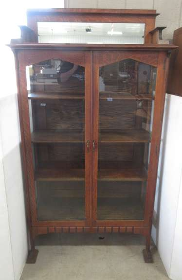 Antique Quarter Sawn Oak China Cabinet, Three Shelves with Double Plate Rails, Windows on Three Sides, Mirror on Top