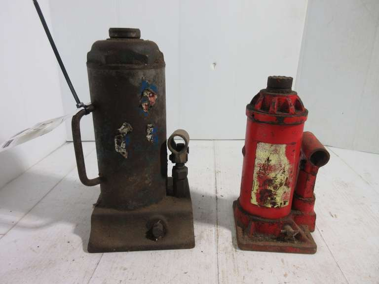 "(2)-Hydraulic Bottle Jacks (No Handles), Unknown Capacity, 11"" and 9"" High"