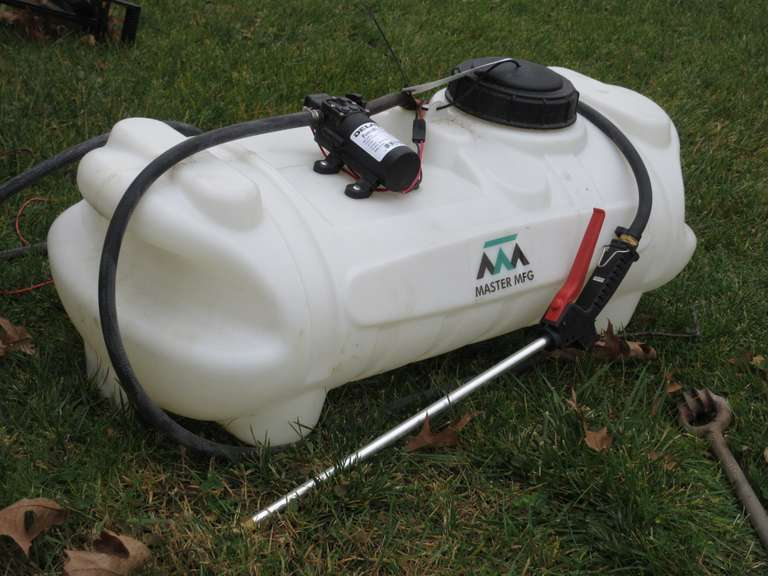 Master Mfg. Sprayer Tank with Delavan Power Flo Pump, 12 Volt