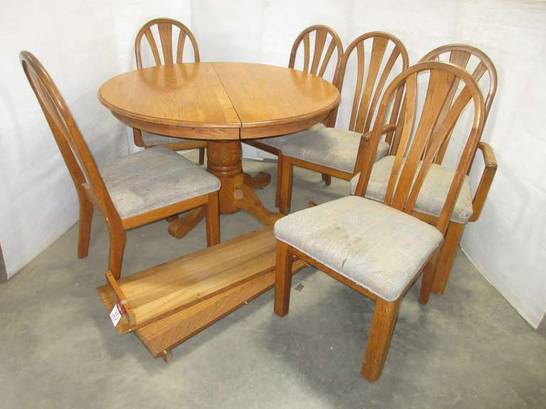 Dining Room Set, (2) Leaves, and (6) Chairs