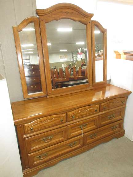 Dresser with Mirror, Matches Lot No. 5