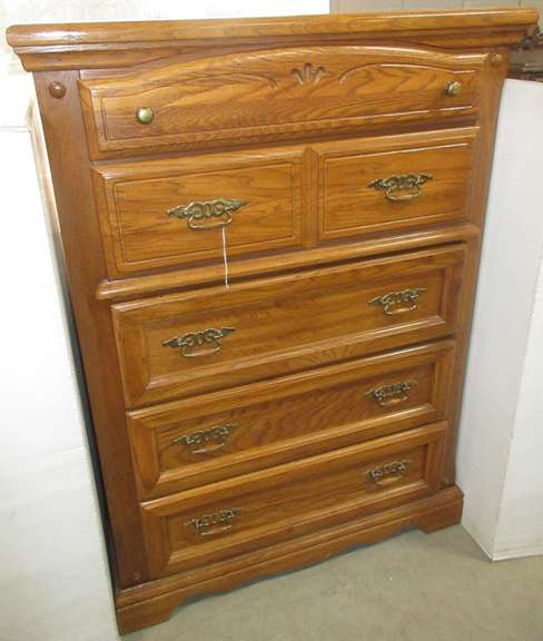 Chest of Drawers, Matches Lot No. 4