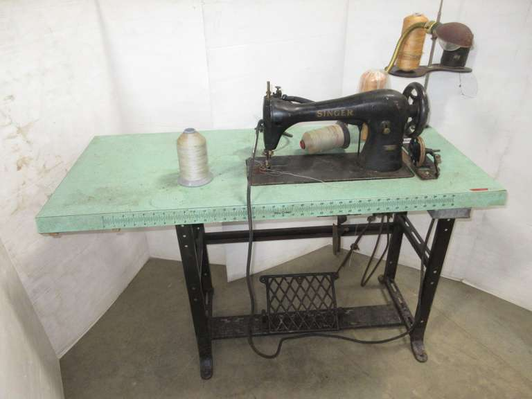 Singer Heavy Duty Commercial Sewing Machine