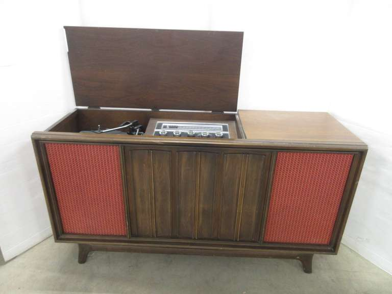 Wood Cabinet Stereo with Record Player