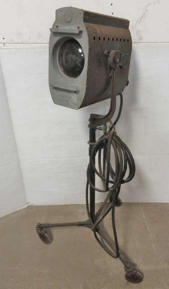 Antique Mole-Richardson Stage Light from the 1930s, Made in Hollywood, California, Stand Has Good Original Casters and is Adjustable