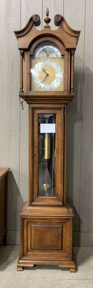 Colonial of Zeeland Grandfather Clock, 1973