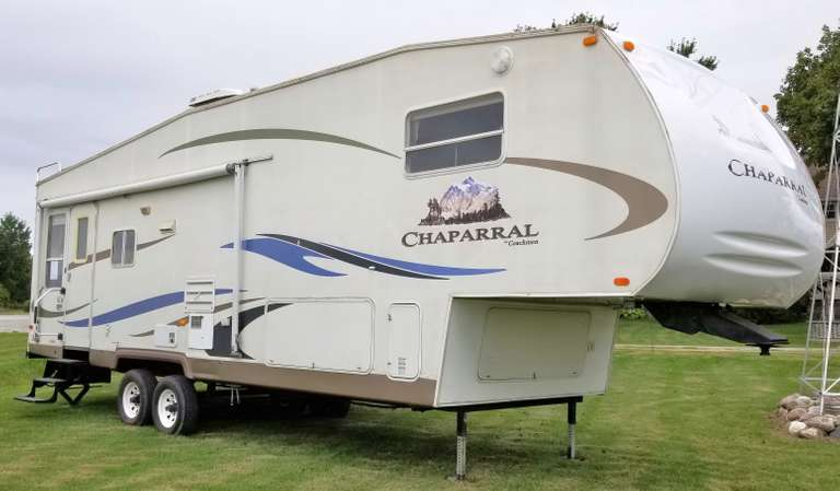 2007 Coachman Chaparral 32' Trailer, 8300 lbs., 2-Slides, New Awning and Tires in 2017, Good Condition, Clean and Clear Title