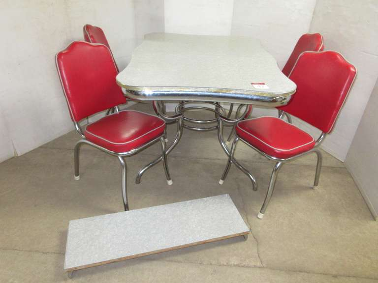1950s Kitchen Table and (4) Chairs with Center Leaf