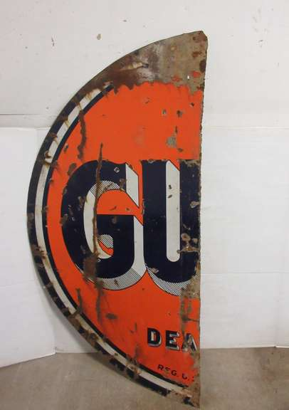 Original Double-Sided Porcelain Gulf Dealership Sign, Has Been Cut in Half, Has 'GU' on One Side, 'LF' on Other Side