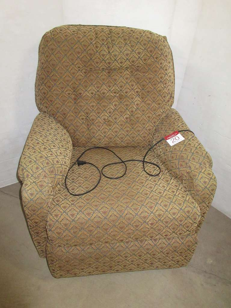Benchcraft Electric Recliner, Matches Lot No. 21