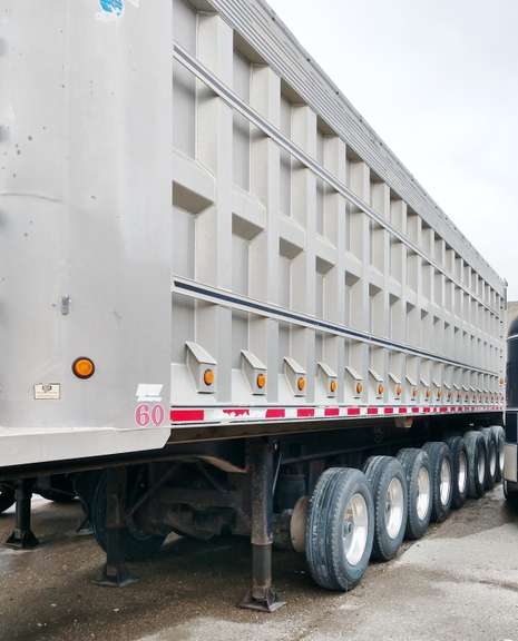 "2000 MAC 8-Axle Dump Trailer, 39.5' Frame, 37.5' Box, 102 x 92"" Tall, Liner up the Sides, 3-Down Axles & 5-Up Axles, Lift Axle Tires at 90%, Down Axle Tires at 70%, Brakes at 75%, Tarp, Beet Rack, Clean and Clear Title"
