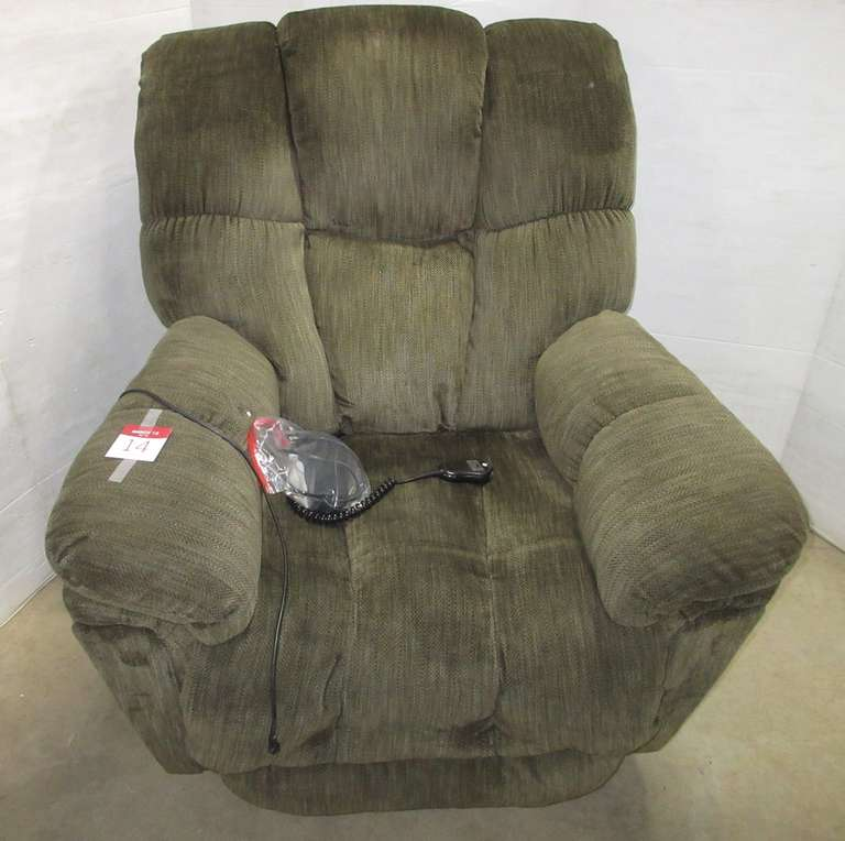 Big Man Lift Chair Recliner, Dark Green in Color, Approx. Three Years Old, 400 lb. Capacity