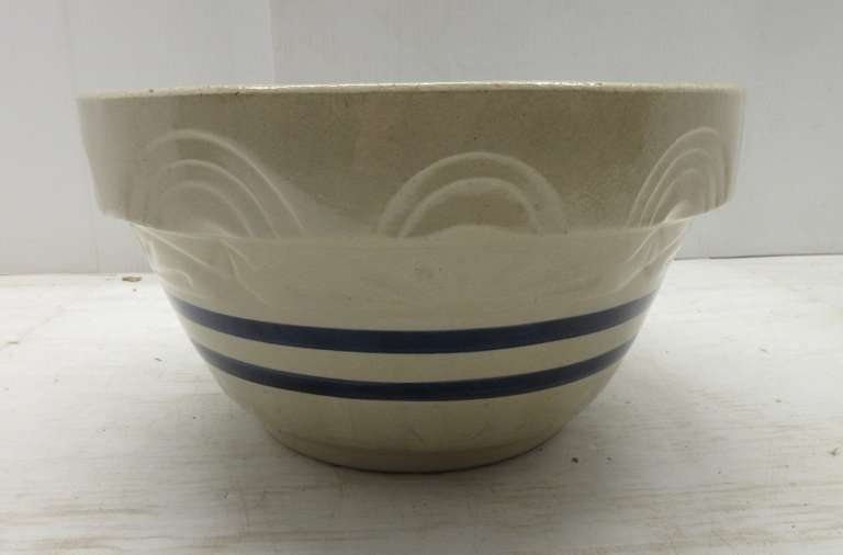 Large Ceramic Dough Bowl, RRP Roseville, OH
