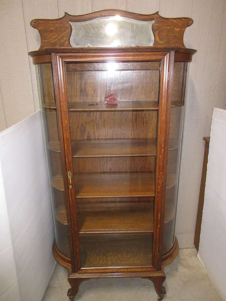 Antique Tiger Oak Curved Glass Curio Cabinet with Top Beveled Mirror and Key, All Original Glass