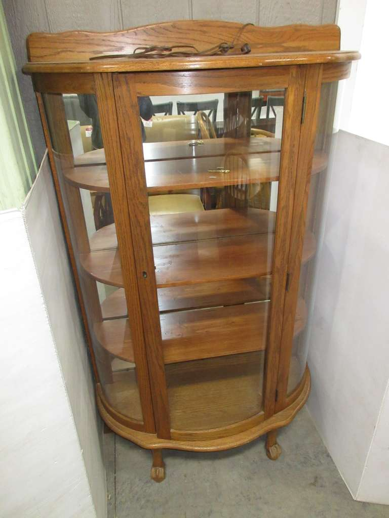Older Display Cabinet, Claw Foot Front Feet, Curved Glass, Mirrored Back Interior, Interior Light, and Key