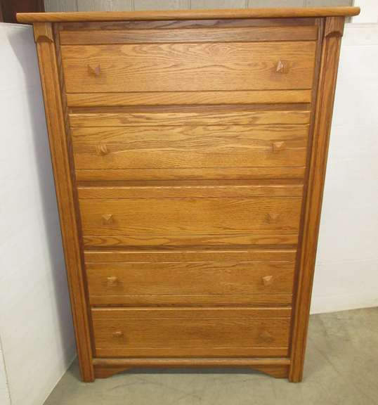 Wood Dresser with Five Drawers