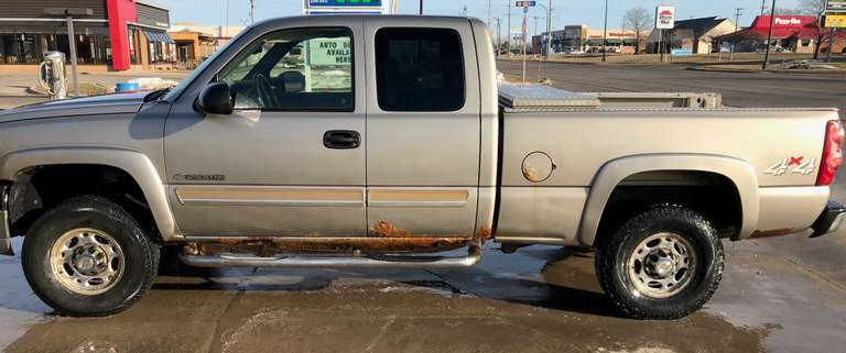 2003 Chevy 3/4 Ton 4WD Pickup, New Fuel Pump and New Starter, Runs Well, Clean and Clear Title
