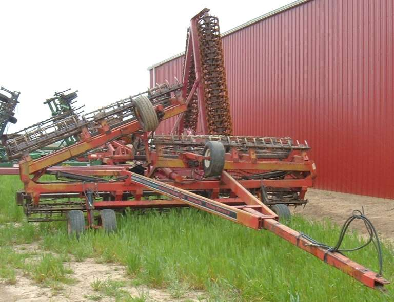 Unverferth 32' Rolling Harrow, Works with 30' Tools, (3)-Spare Baskets Included, Field Ready