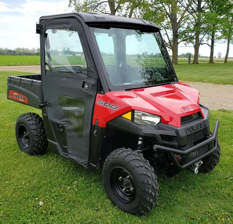 2017 Polaris Ranger 500 Mid-Size UTV, (834 Miles), Roof, Glass Windshield, Glass Back Window, Doors, Rearview Mirror, Winch, Snowblade, All in Mint Condition, Like New, Original Owner, Clean and Clear Title