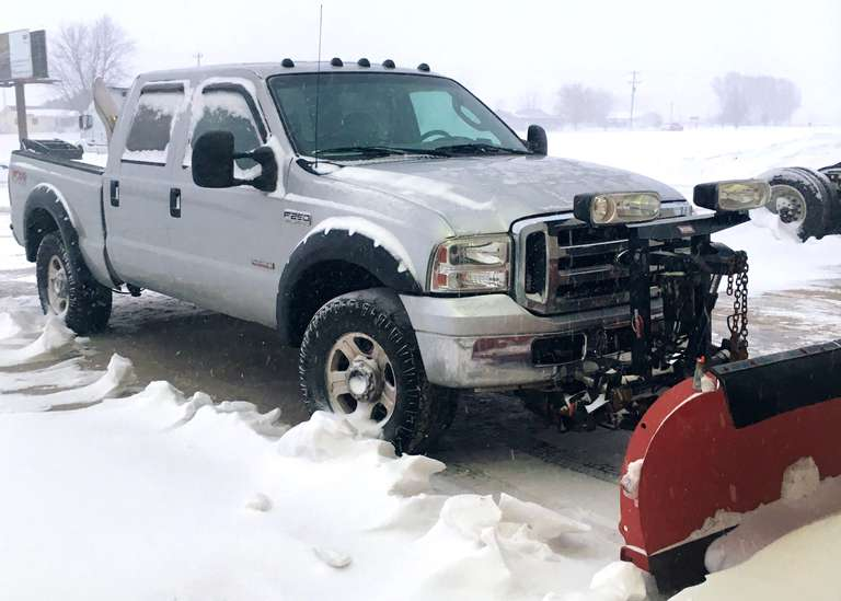 2006 F-250 Lariat Pickup, (166,124 Miles), Leather Bucket Seats, Goodyear Wranglers LT325/65R18 at 80%, (New Passenger Wheel Bearing and Driver Tie Rod at 151,236 Miles), Western Snow Plow Included, Clean and Clear Title