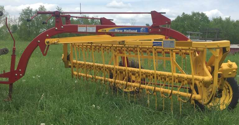 New Holland 258 Rolabar Hay Rake, Purchased New, Only Used for Third Cutting