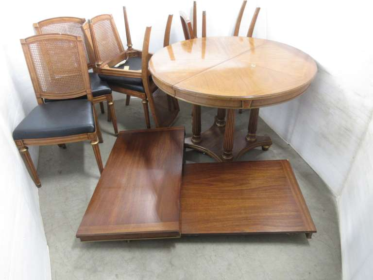 Henredon Nine-Piece Walnut Table with (2) Leaves, and Chair Set, Leaves are Darker Finish, Leaves Fit Into Table but Pieces are Mismatched