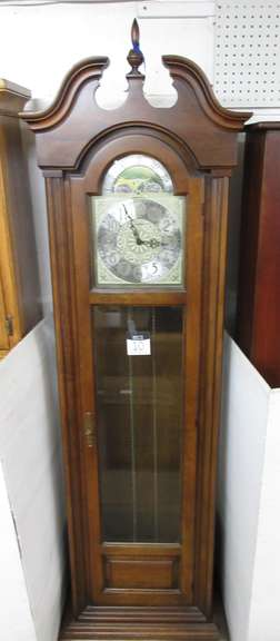 Howard Miller Grandfather Clock, Key in Door, Weights and Pendulum Inside