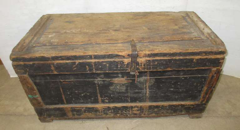 Primitive Carpenters Box Wood Trunk